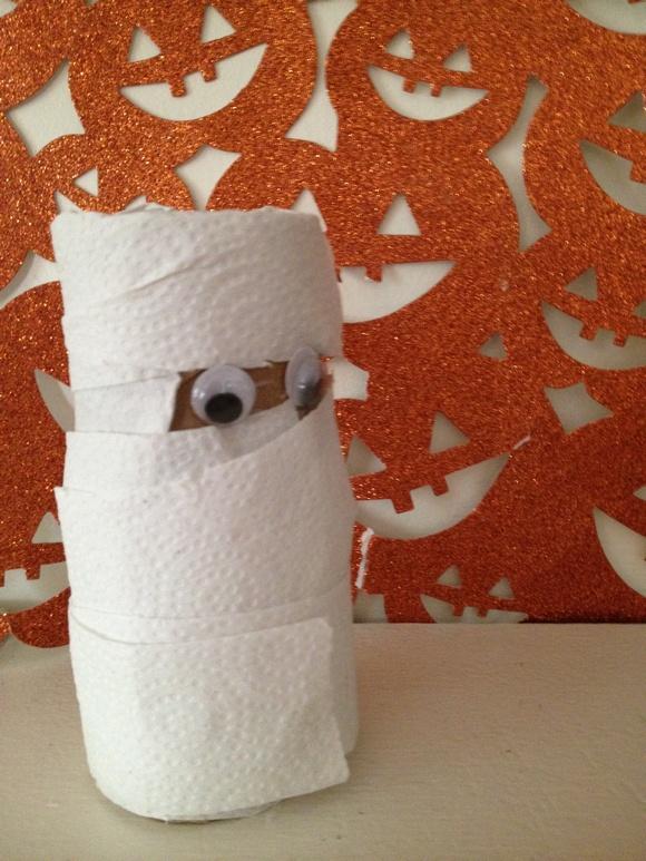 Halloween craft for kids mummy