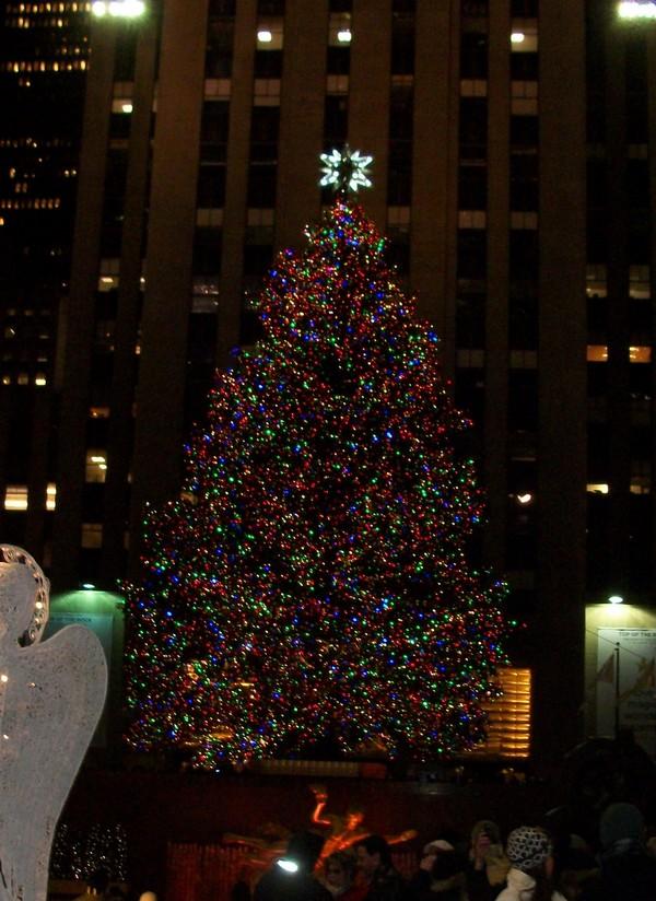 Rockefeller Center tree at night