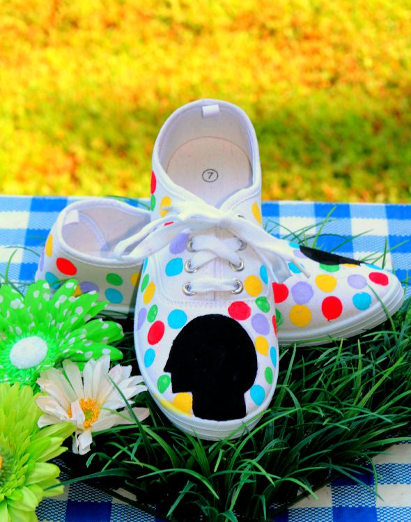 Crafts for Teens: Inside Out Inspired Shoes