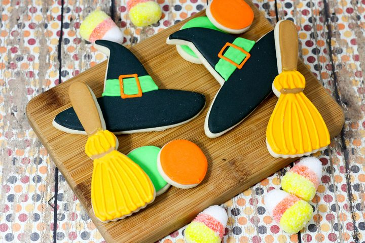 Looking for a fun Halloween cookie recipe for teens that you can make with your BFF? These Witches' Broom cookies are so adorable!