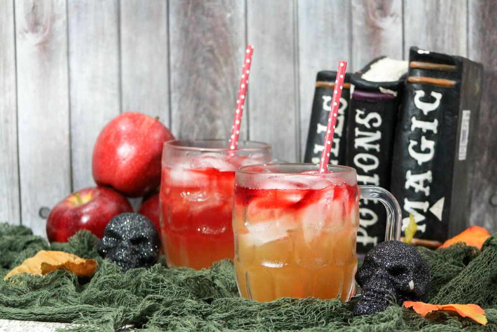 Looking for a fun Halloween teen drink that tastes great yet has an air of sophistication? Check out our Apple Cider Mocktail drink for teens!