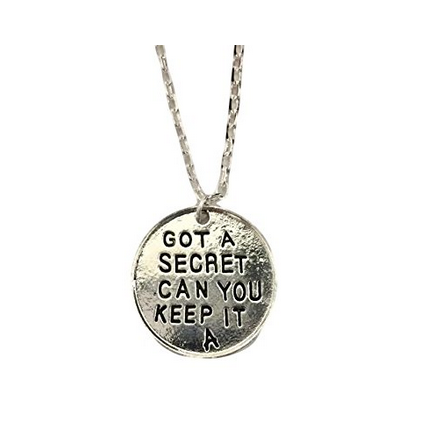 """""""A"""" Pendant: 7 Pretty Little Liars Fashion Choices For Chic Fangirls"""