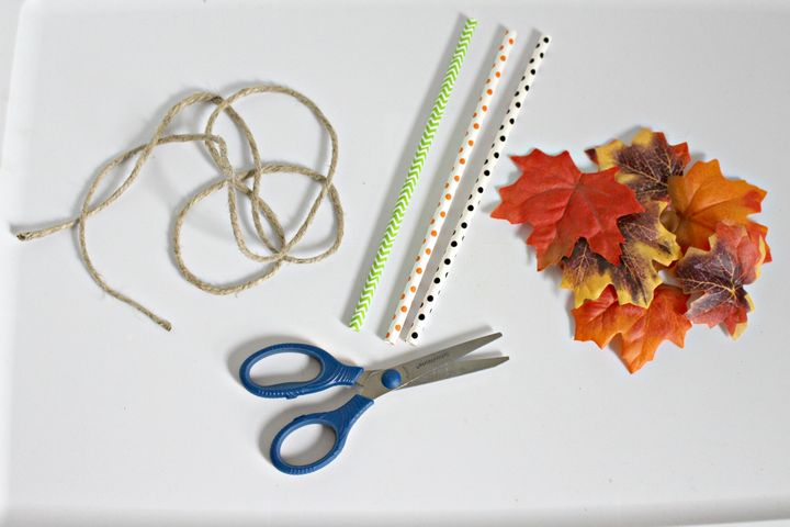 Get ready to accessorize your wardrobe with a super easy yet oh-so adorable fall necklace craft for teens! This is the perfect after-school activity for you and your BFF.