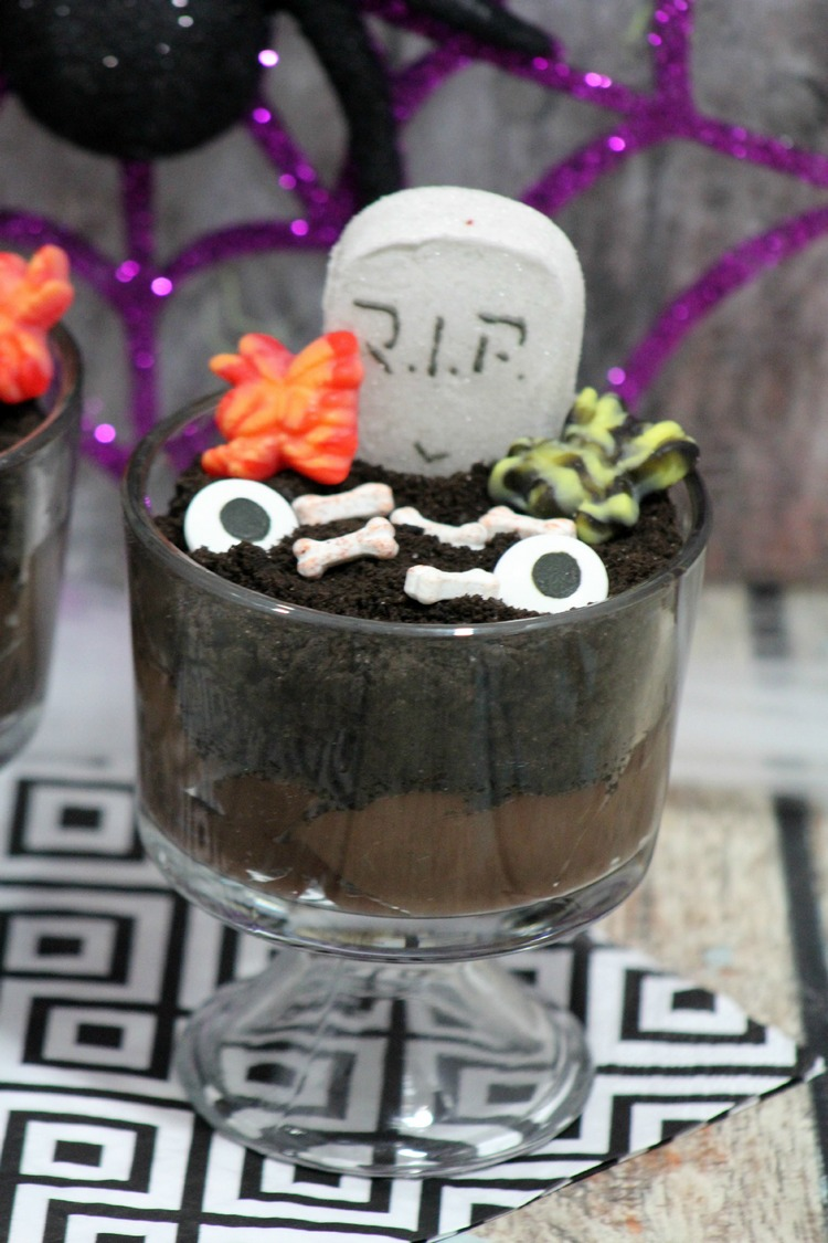 Looking for a fun and easy recipe for your Halloween party? This graveyard pudding is a cinch to make yet is fully of spooky goodness!