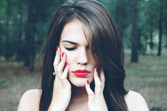 Best Fall 2015 Makeup Trends Bold Lip Colors