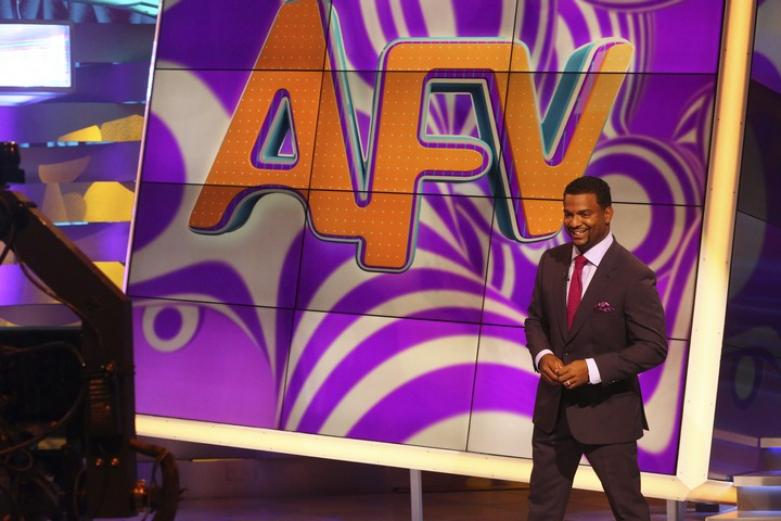 Check out our America's Funniest Home Videos Season 26 Episode 5 recap and highlights to find out what happens when the audience asks Alfonso to do the Carlton, plus all the highlights from the night's best videos!
