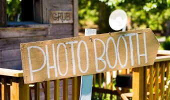 5 Tips for the Perfect DIY Outdoor Photo Booth to Rock Your Party