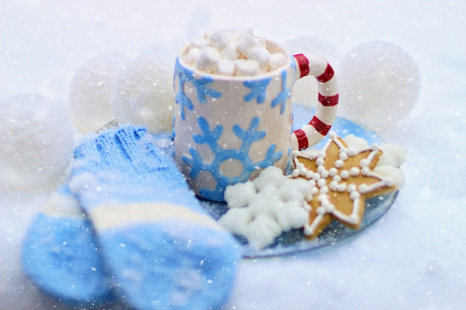A hot chocolate station theme #party is easy & inexpensive yet still elegant and fun! Check out our ideas to make your party a smashing success!