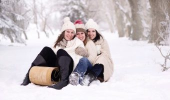 6 Outdoor Sledding Theme Party Ideas for the Best Winter Party of the Year
