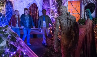 If you're looking for a few great frighteningly fun movies like Goosebumps 2: Haunted Halloween, we've got you covered! Check out these 10 awesome flicks!