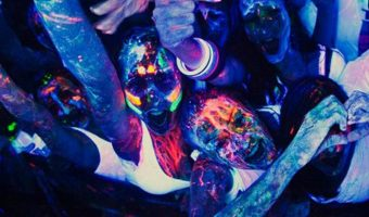 Tips for Throwing a Black Light Party for Teens
